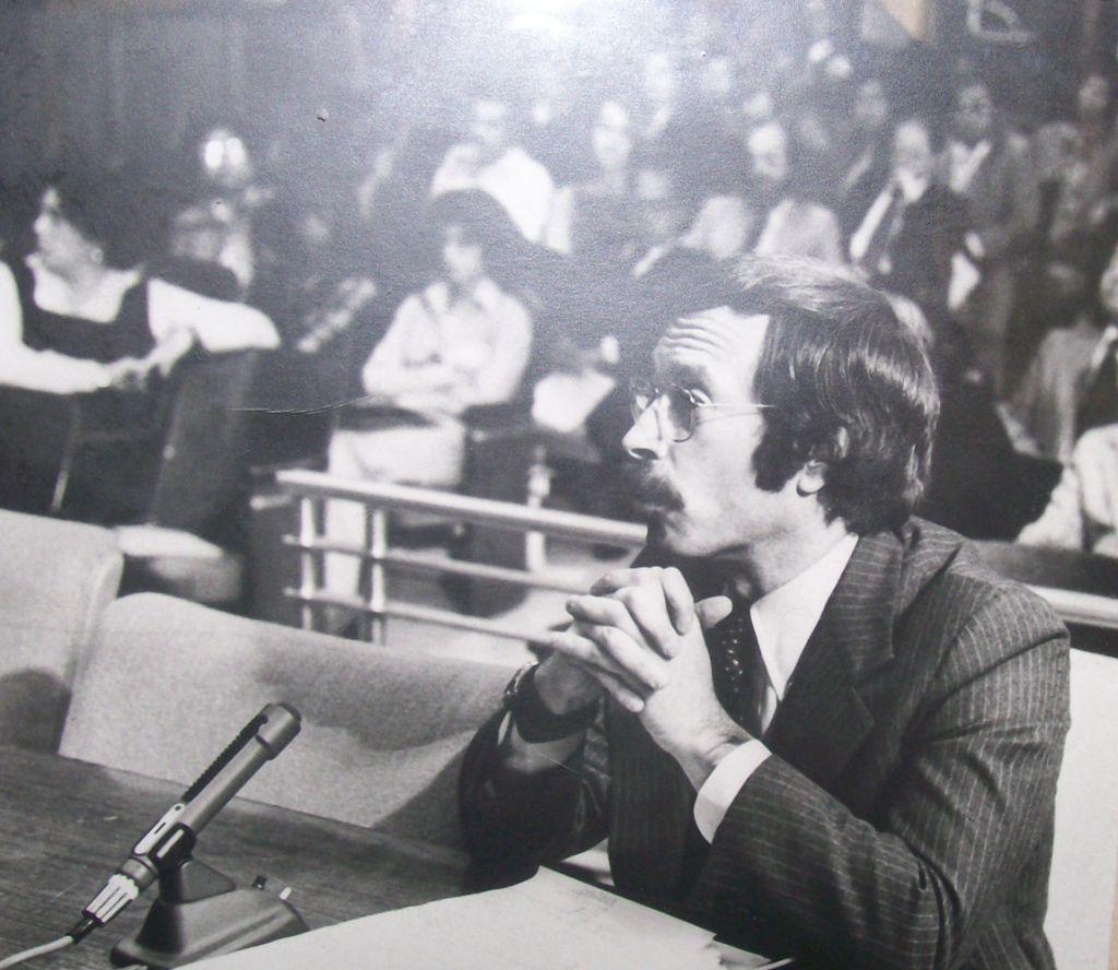 Robert Gnaizda during 1970s legislative hearings