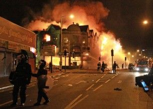London Riots - burning