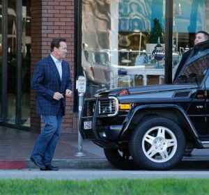 Schwarzenegger Gets Parking Ticket On First Day Out Of Office