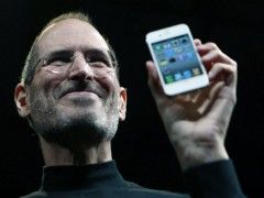 steve-jobs-iphone-apple.handout