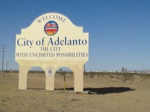 Adelanto sign