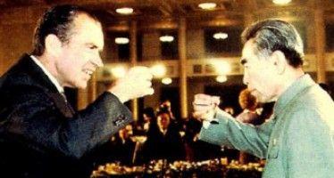 No Nixon-goes-to-China for Obama on CA school-testing retreat
