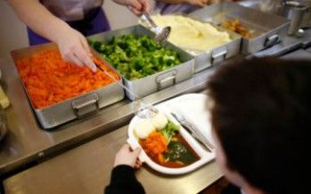 Revolt against 'dog food' school lunches went far beyond LAUSD