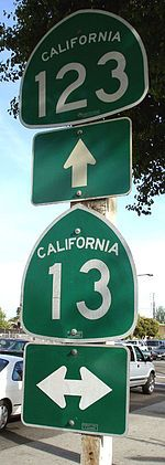 California traffic sign, wikimedia