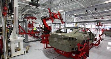 CA manufacturing rises — a little