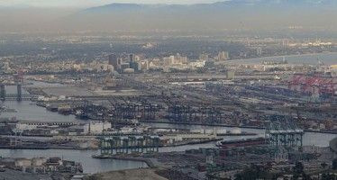 Legislation to prevent port shutdowns passes U.S. Senate committee