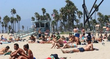 Venice Beach proposal roils topless debate