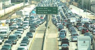 Carpooling and mass transit decline; number of solo commuters on the rise