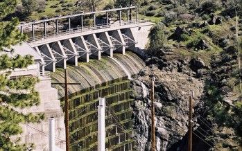 "Brown: Klamath dam removal deal about ""correcting mistakes"""