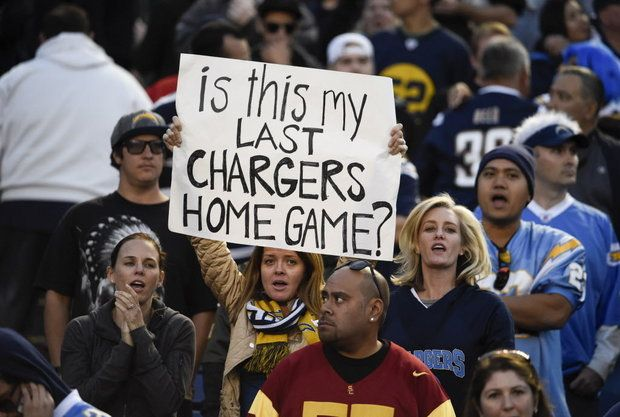 chargers-fans